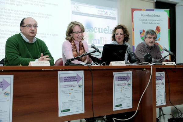 La regidora inaugura las VI Jornadas Educativas de Benalmádena en el instituto 'Cerro del Viento'