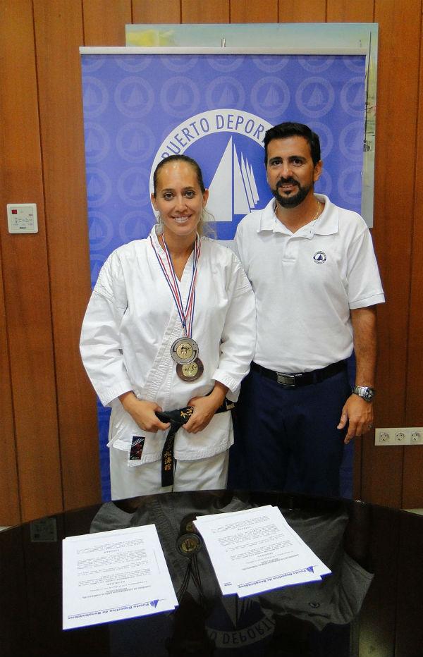 El Puerto Deportivo patrocinará a la subcampeona del mundo de kárate, la benalmadense Líala Benarbia, en el próximo mundial.