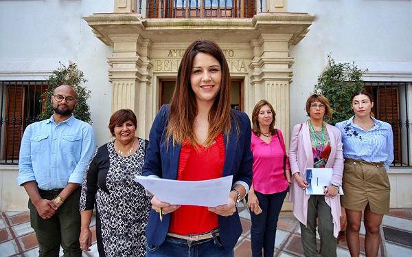 La Concejala Irene Díaz da lectura del Manifiesto del Día de la Visibilidad Lésbica