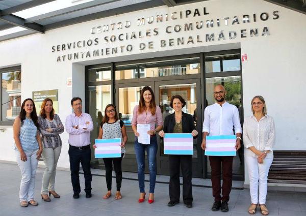 Benalmádena se suma a la lucha por la despatologización de la condición de transexual