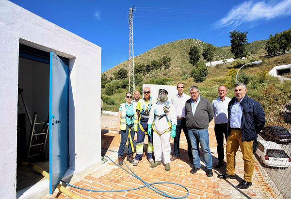 Emabesa procede a la limpieza y desinfección de uno de los depósitos de agua de abastecimiento en Benalmádena Pueblo