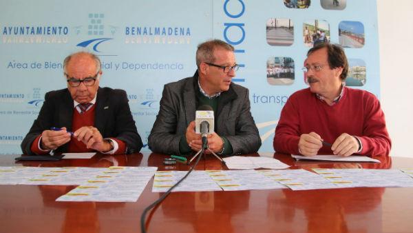 La Asociación '¿Yo? Producto Andaluz' entrega 50 participaciones de lotería de Navidad a Bienestar Social