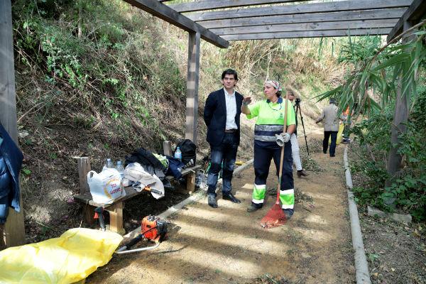El Ayuntamiento impulsa importantes mejoras en los parques de Benamaina y Torremuelle