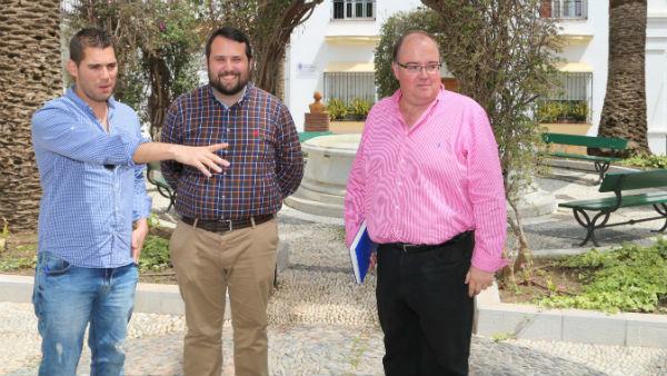 Los Servicios Operativo han realizado mejoras en la Plaza de Andalucía de Benalmádena Pueblo