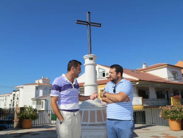 La Plaza de la Cruz de Arroyo de la Miel recupera su identidad con su nueva imagen