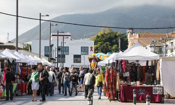 El Alcalde y el Concejal de Comercio inauguraran el Mercadillo Navideño en la Plaza de Pueblosol