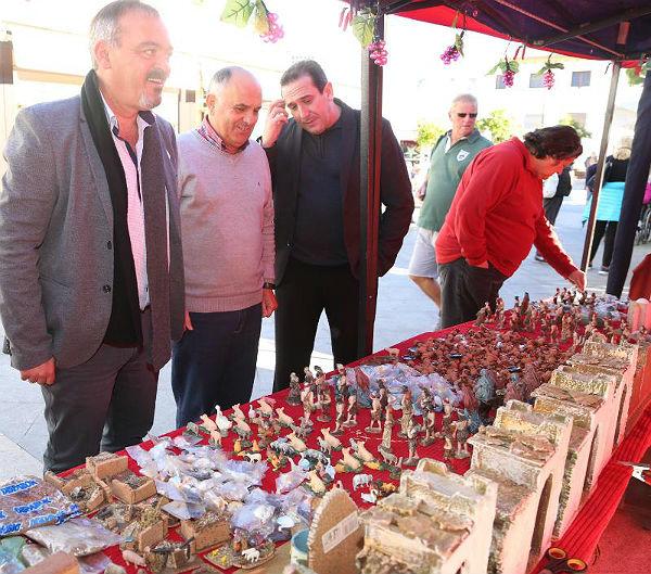 El Mercado Navideño abre sus puertas en la Avenida de la Constitución