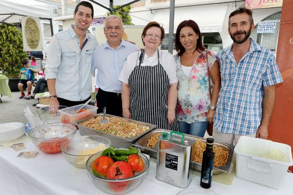 El Mercado Ecológico sorprendió a los asistentes con un 'show cooking' y un concierto