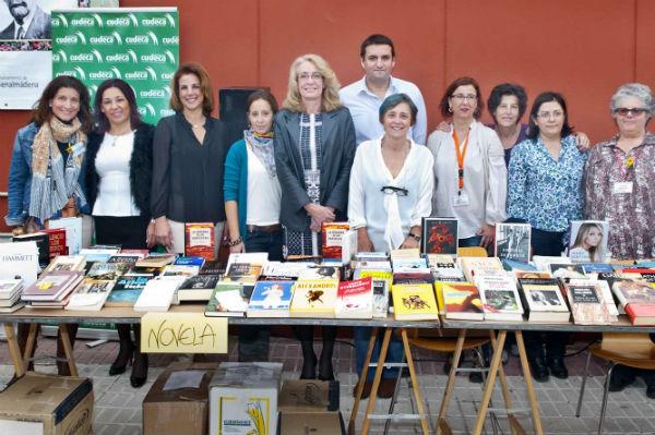 La biblioteca de Arroyo acoge el tradicional Mercado de Libros Solidarios a beneficio de Cudeca