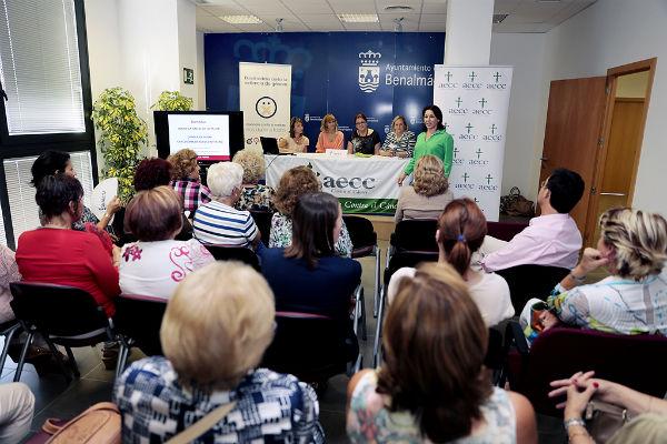 Más de medio centenar de benalmadenses asisten a la mesa redonda 'Salud y Calidad de Vida en la Mujer'