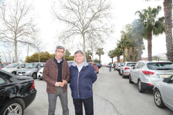 El Ayuntamiento recibe el anteproyecto para la creación de un aparcamiento de 270 plazas en las Moriscas.