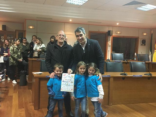 El Alcalde recibe a padres y alumnos del Colegio Jacaranda