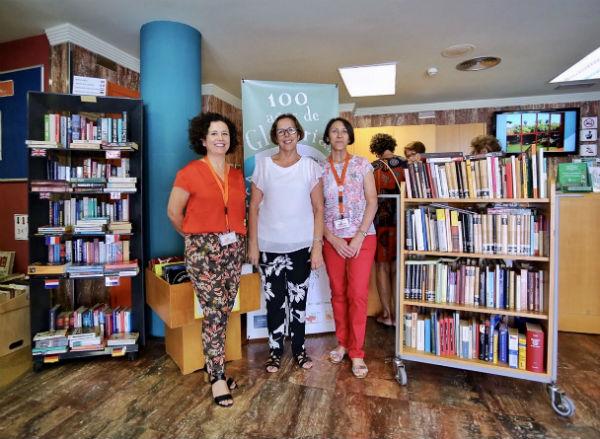 La concejala Elena Galán presenta las novedades de la Biblioteca de Arroyo para este verano