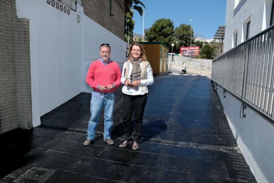 Concluyen las obras de mejora en la Plaza de Pueblosol y en el acceso al edificio de Bienestar Social
