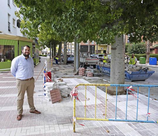 Servicios Operativos continúa con el Plan de Mejoras en Barriadas atendiendo a la calle Roberto Olid