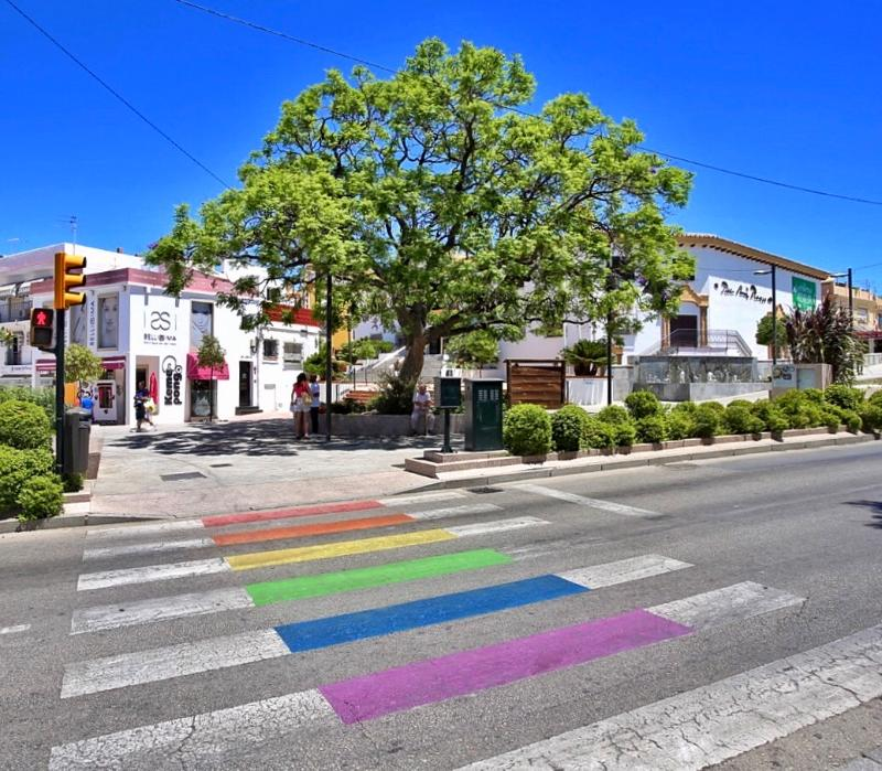Benalmádena de vuelca con la celebración del día del orgullo LGTBI
