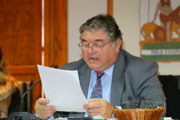 El alcalde y los concejales mantienen la voluntad de diálogo con los vecinos de Torremuelle para tratar de buscar una solución consensuada a la recepción de la urbanización.