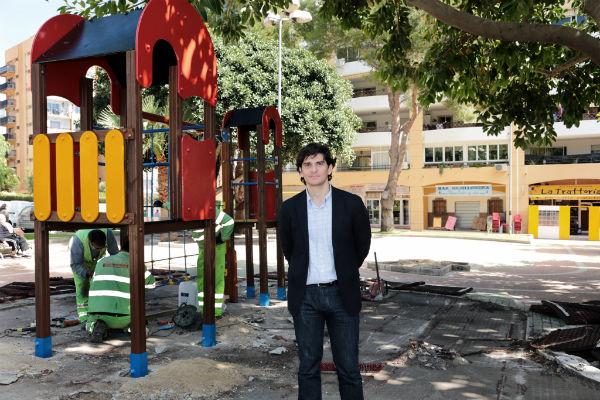 El Ayuntamiento remodela el parque infantil de la avenida de Gamonal