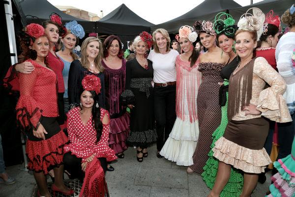 Un millar de personas asisten a la II Pasarela de Moda Flamenca de Benalmádena