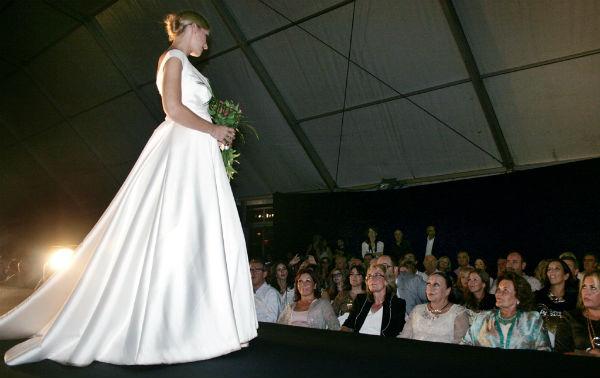Más de medio millar de personas asisten a la II Pasarela Marina Benalmádena Fashion Night