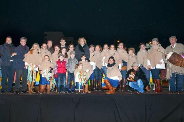Arrancan las actuaciones de pastorales y coros en Blas Infante para animar a los benalmadenses a disfrutar de la Navidad en las calles del municipio