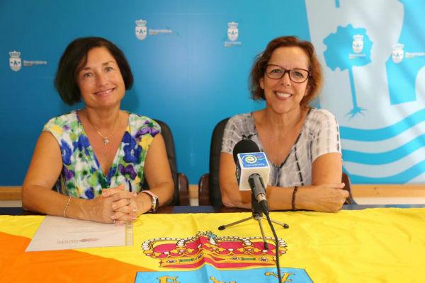 La Concejala de Cultura Elena Galán recibe a la ganadora del Campeonato Mundial de Patchwork