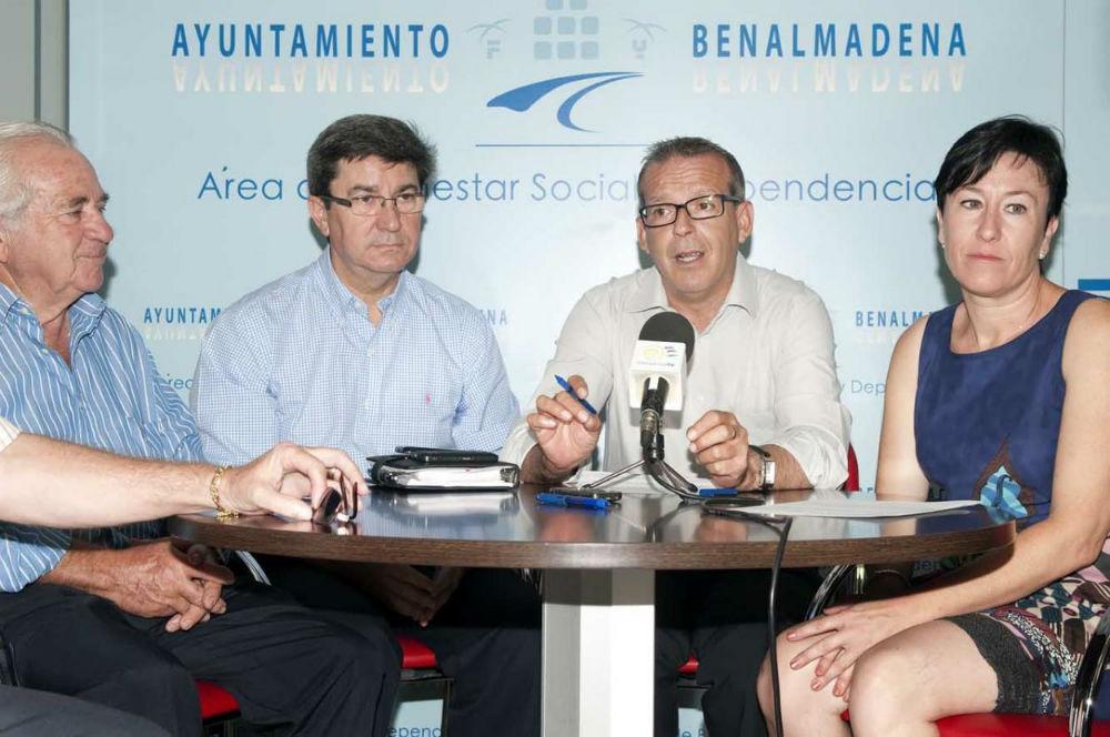 Salido agradece la colaboración de la familia Peñarroya con Bienestar Social