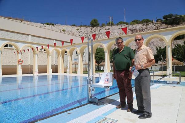 La piscina del Polideportivo de Benalmádena Pueblo abre al público