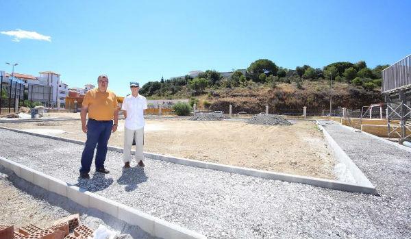 El PDM inicia la construcción de un nuevo campo de fútbol-5 en las pistas deportivas de Retamar