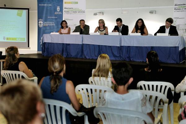 El Ayuntamiento y EOI impulsan la mejora de las pymes locales del sector servicios con un plan estratégico