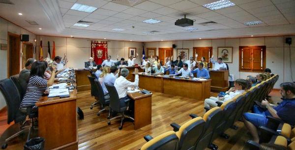 Benalmádena aprueba las cuentas del 2016 de sus tres empresas municipales en el plazo establecido.