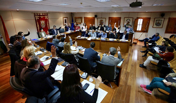 Benalmádena instará al Gobierno a que frene la subida del precio del suministro eléctrico