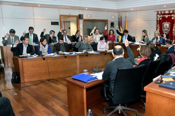 La Corporación municipal solicita al Gobierno central que contemple la construcción de una comisaría nacional de Policía en los Presupuestos Generales del Estado para 2014