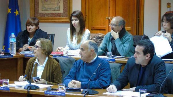 El Pleno aprueba una moción institucional para instar al Gobierno a ampliar los contratos de alquiler social