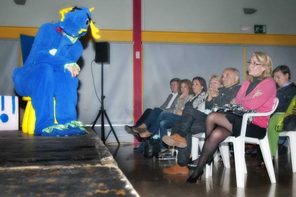La alcaldesa preside la entrega de premios del IX Concurso de Poesía Costa del Sol organizado por Afesol