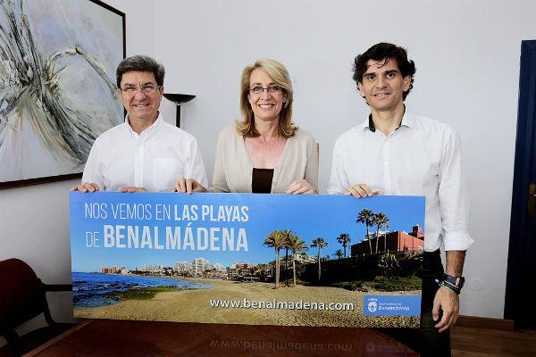 El Ayuntamiento impulsa una campaña de promoción de las playas de Benalmádena en la capital granadina