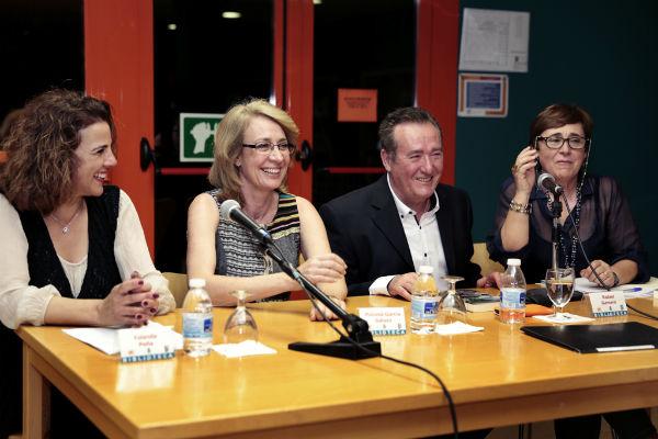 La regidora participa en la presentación del libro 'Historias de Benalmádena y Arroyo de la Miel'