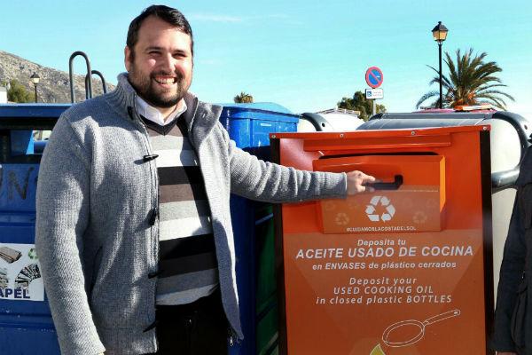 El Ayuntamiento coloca más de una veintena de nuevos contenedores para el reciclaje de aceite