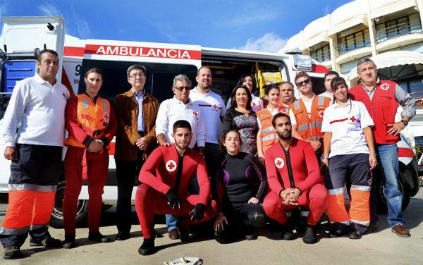 La Asamblea Local de Cruz Roja Benalmádena presenta su nueva ambulancia Uvi móvil