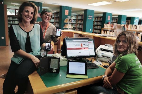 La biblioteca de Arroyo de la Miel pone en marcha una plataforma para acceder a libros electrónicos a través de internet