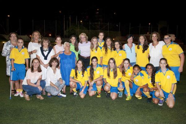 La alcaldesa preside la presentación de los equipos del Club Atlético Benalmiel