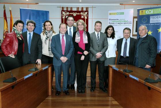 El Ayuntamiento y EOI presentan un plan de dinamización y mejora de la competividad de las Pymes del sector servicios