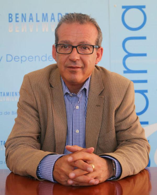 Francisco Salido solicita la colaboración de los vecinos en la 'Caravana Solidaria'