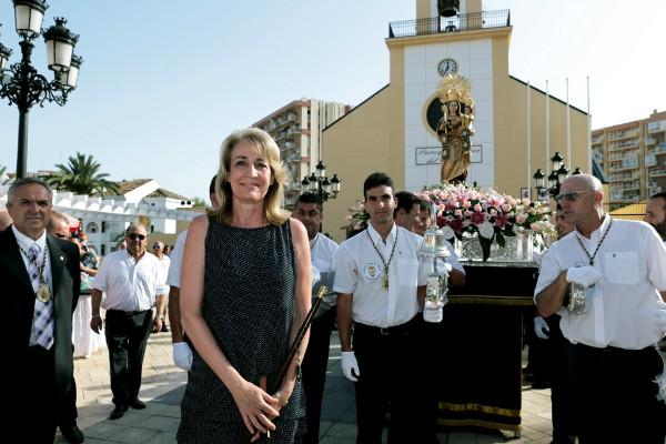 La alcaldesa preside los actos religiosos y marineros en honor a la Virgen del Carmen