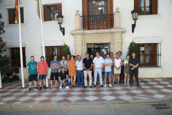 El Alcalde Víctor Navas y los Concejales Javier Marín y Ana Scherman realizan un acto de reconocimiento a los voluntarios de protección civil de Benalmádena