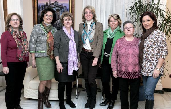 La regidora recibe a la nueva Junta Directiva de la Asociación de Mujeres de Arroyo de la Miel - Benalmádena