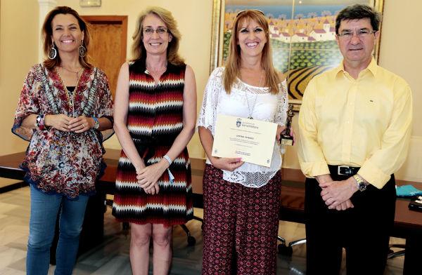 El Ayuntamiento reconoce la labor de Central FM Radio en la integración de los residentes extranjeros