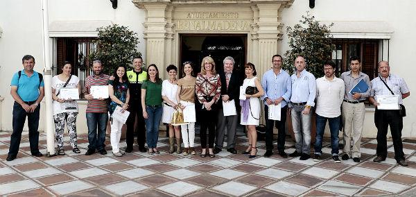 La alcaldesa preside el reconocimiento a los instructores del curso de 'Soporte Vital Básico y Uso de Desa'