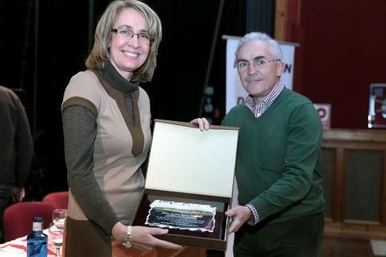 La alcaldesa de Benalmádena recibe el reconocimiento de Málaga Fm - Radio Marca por su compromiso con el deporte