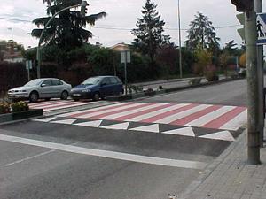 Elementos reductores de velocidad en las calles de Benalmádena